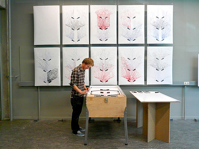 A Drawing Machine that Records the Chaos of Pinball pinball games drawing machines drawing